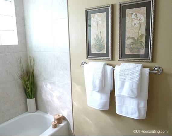 How to place towels in bathroom